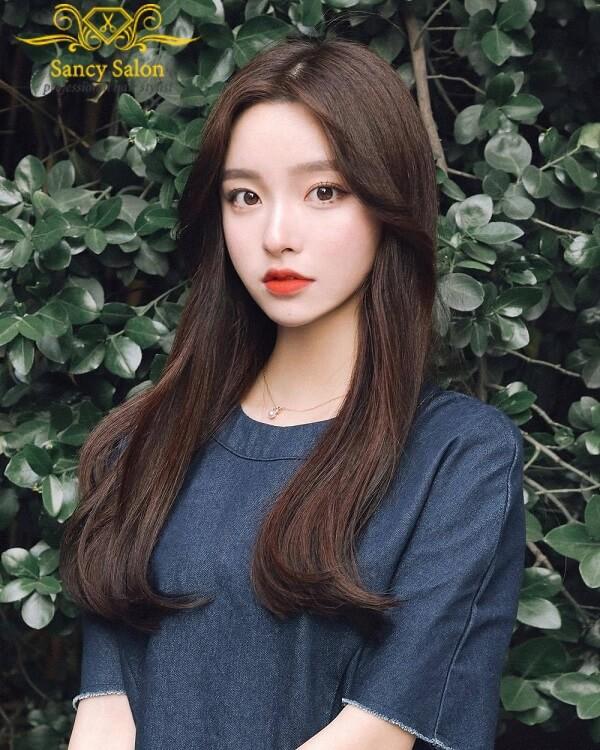 Mái tóc dài thẳng xinh đẹp